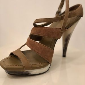 MAX AZRIA $398 Heels Sandals Shoes Made Brazil Sz6